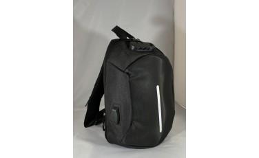 Τσάντα ώμου μαύρη με κωδικό κλείδωμα και USB